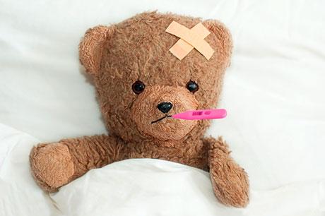 Teddybaer mit Fieberthermometer